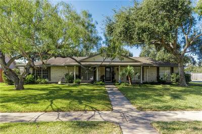 Corpus Christi Single Family Home For Sale: 302 Cape Hatteras Dr