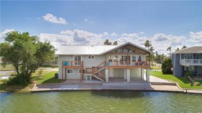 Rockport Single Family Home For Sale: 3 Bahama Dr
