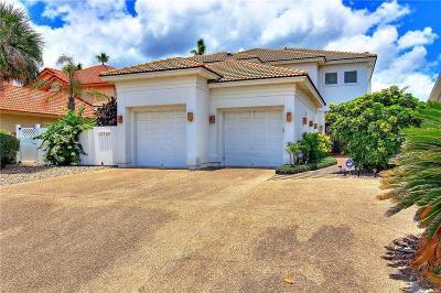 Corpus Christi Single Family Home For Sale: 13726 Hawksnest Bay Dr