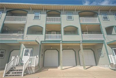 Port Aransas Condo/Townhouse For Sale: 1527 S Station St #103