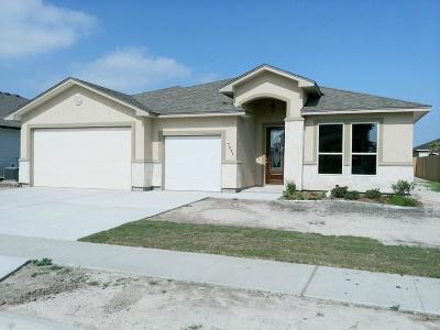 Corpus Christi Single Family Home For Sale: 7806 Sunset Cove Dr