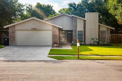 Corpus Christi Single Family Home For Sale: 7034 Wakeforest Dr