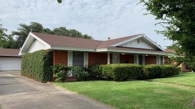 Portland Single Family Home For Sale: 107 Daniel Moore St