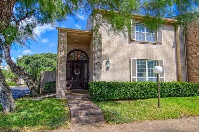 Corpus Christi Condo/Townhouse For Sale: 47 Lake Shore Dr