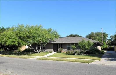 Corpus Christi Single Family Home For Sale: 638 Moray Pl