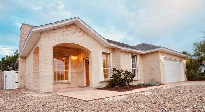 Corpus Christi Single Family Home For Sale: 16118 Broomsedge St