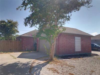Corpus Christi Single Family Home For Sale: 668 Kaipo Dr