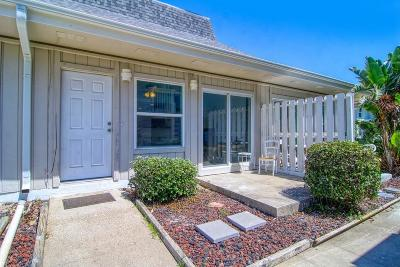 Port Aransas Condo/Townhouse For Sale: 4901 State Highway 361 #116