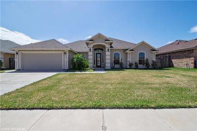 Corpus Christi Single Family Home For Sale: 3817 Kangaroo Ct