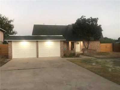 Corpus Christi Single Family Home For Sale: 3325 Jamaica Dr