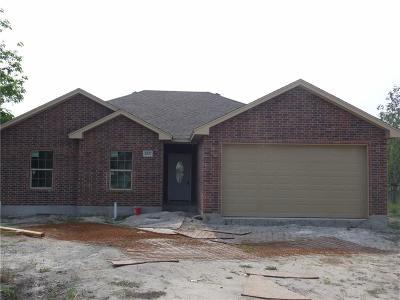 Corpus Christi Single Family Home For Sale: 2827 E Harrington Dr