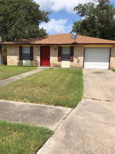 Aransas Pass Single Family Home For Sale: 116 Pelican Ave