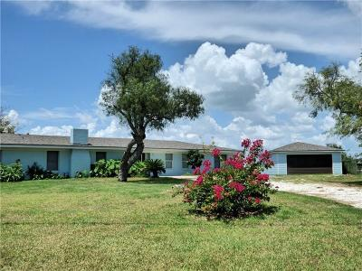 Rockport Single Family Home For Sale: 446 Copano Ridge
