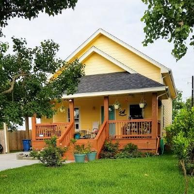 Rockport Single Family Home For Sale: 1411 S Young St