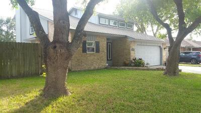 Corpus Christi Single Family Home For Sale: 661 Bel Air Dr