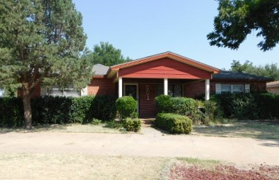 Seminole Single Family Home For Sale: 601 SW 17th St
