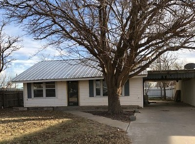 Seagraves Single Family Home For Sale: 705 10th St