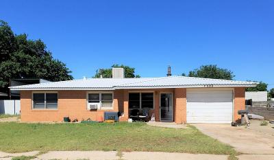 Seminole Single Family Home For Sale: 502 SW 13th St