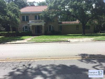 San Marcos Single Family Home For Sale: 545 W Hopkins Street