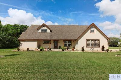 McQueeney Single Family Home For Sale: 377 Woodlake