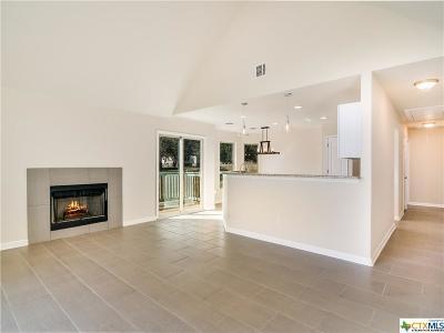 Canyon Lake Single Family Home For Sale: 2111 Blueridge