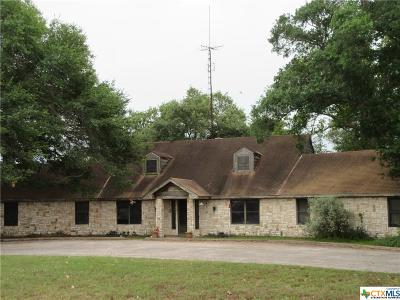 Guadalupe County Single Family Home For Sale: 435 Salt Lake