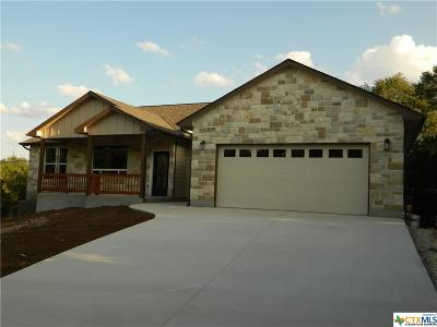 Canyon Lake Single Family Home For Sale: 1075 Twisted Oak Court