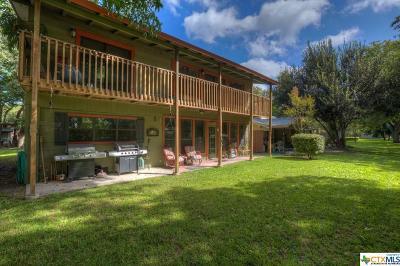 Seguin Single Family Home For Sale: 837 Timber Elm