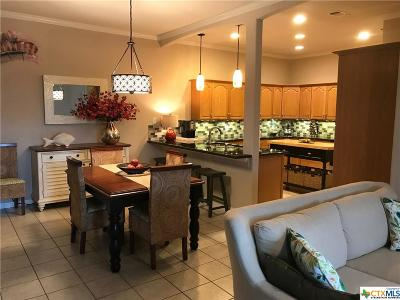 Canyon Lake Condo/Townhouse For Sale: 134 Clearwater