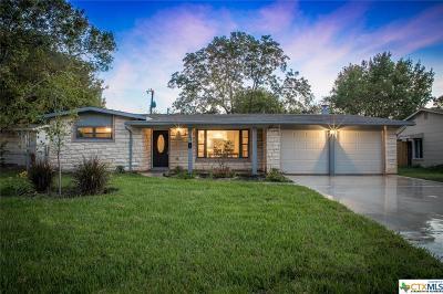 San Antonio Single Family Home For Sale: 722 Nottingham