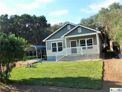 Canyon Lake Single Family Home For Sale: 105 Cedar Lane