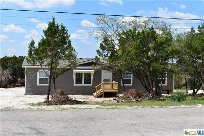 Canyon Lake Single Family Home For Sale: 210 Deer Run Pass