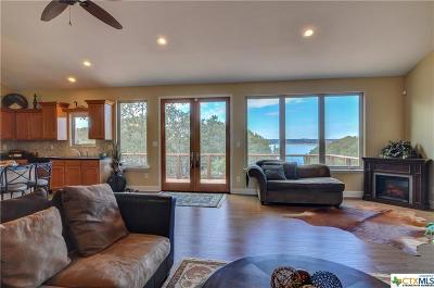 Canyon Lake Single Family Home For Sale: 925 Glenn Drive