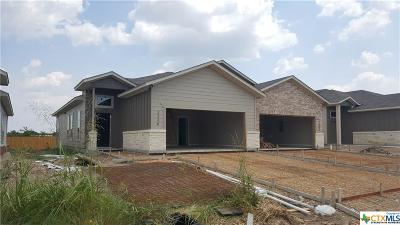 New Braunfels Multi Family Home For Sale: 2208 & 2210 Avery Village Curve