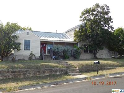 Lampasas Single Family Home For Sale: 202 Summer