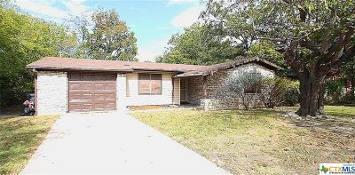 Single Family Home For Sale: 1407 West Ln
