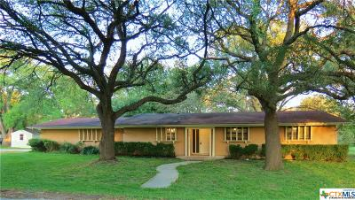 Seguin Single Family Home For Sale: 110 Rio Grande Drive