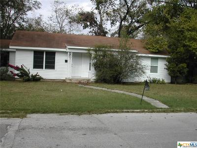 Seguin Single Family Home For Sale: 1052 Elm St Street