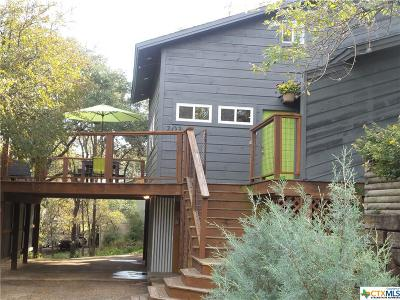 San Marcos Single Family Home For Sale: 203 Hillcrest