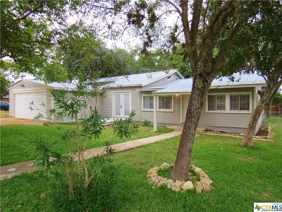 Canyon Lake Single Family Home For Sale: 337 Creekside