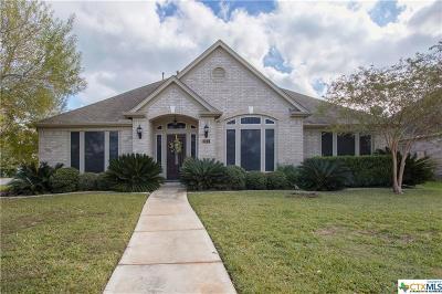 New Braunfels Single Family Home For Sale: 211 Autumn Oak