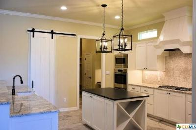 New Braunfels Single Family Home For Sale: 684 Acorn