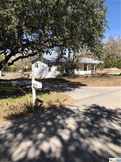 Canyon Lake Single Family Home For Sale: 561 Ridgerock