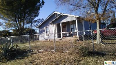 Lampasas Single Family Home For Sale: 1008 W Ave E