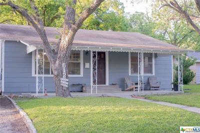 Seguin Single Family Home For Sale: 612 Humphreys