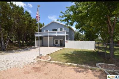 Canyon Lake Single Family Home For Sale: 651 Hampton