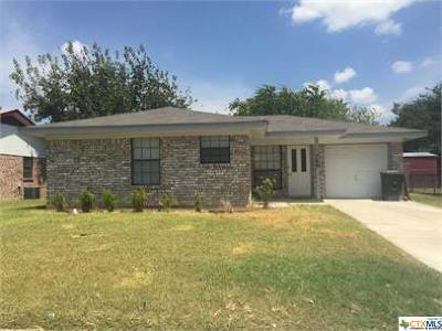 Single Family Home For Sale: 709 Colonial