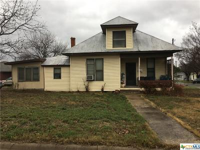 Belton Single Family Home For Sale: 300 Avenue H