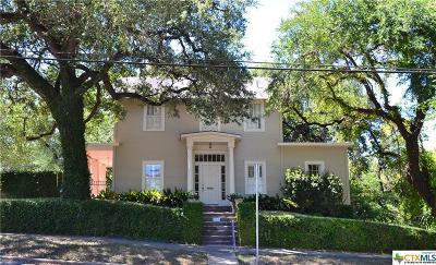 Seguin Single Family Home For Sale: 215 Nolte
