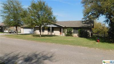 Canyon Lake Single Family Home For Sale: 114 Creekview